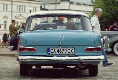 parad-na-retro-avtomobili-v-sofiya-5.jpg