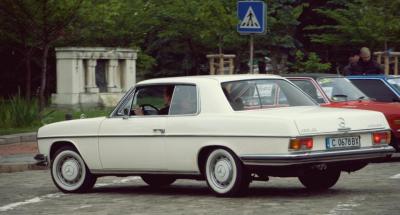 parad-na-retro-avtomobili-v-sofiya-4.jpg
