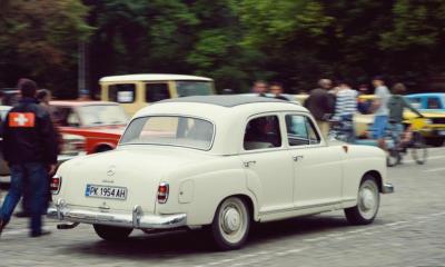 parad-na-retro-avtomobili-v-sofiya-7.jpg